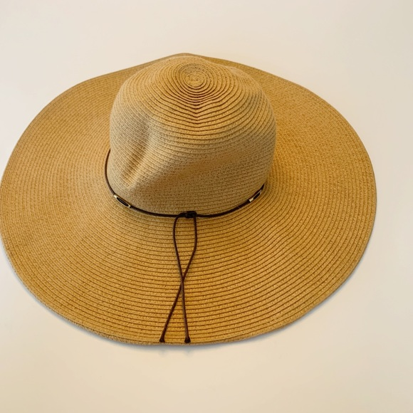 40ddd2167c579c Accessories | Tan Floppy Hat Timeless Style In Great Condition ...